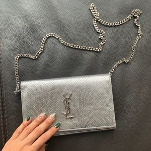 YSL medium wallet on chain